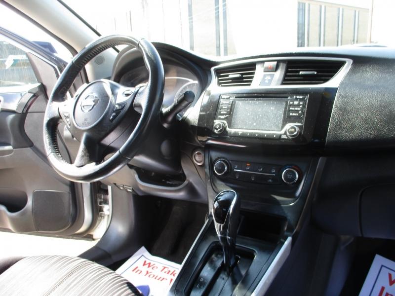 Nissan Sentra 2017 price $8,900