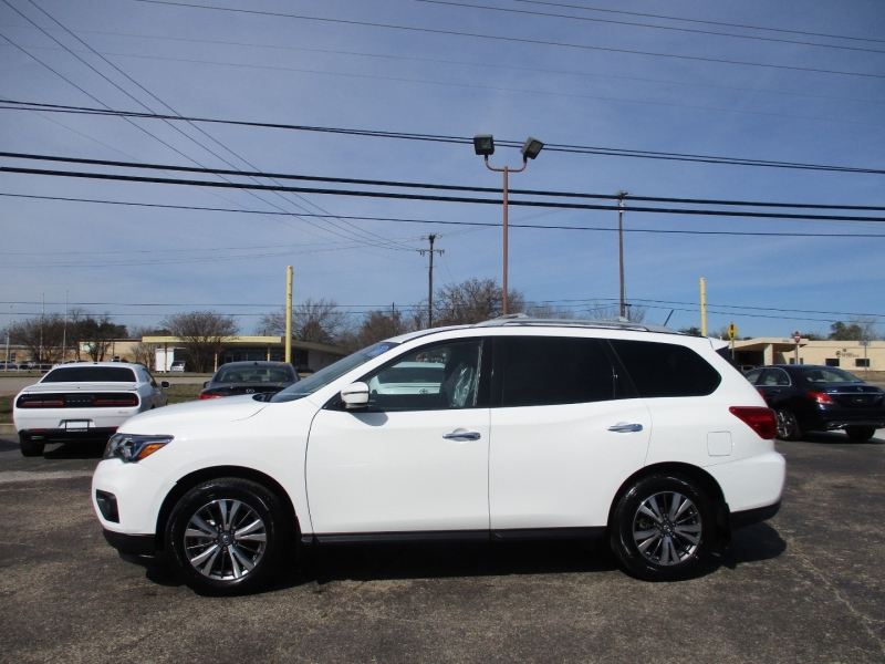 Nissan Pathfinder 2018 price $15,495