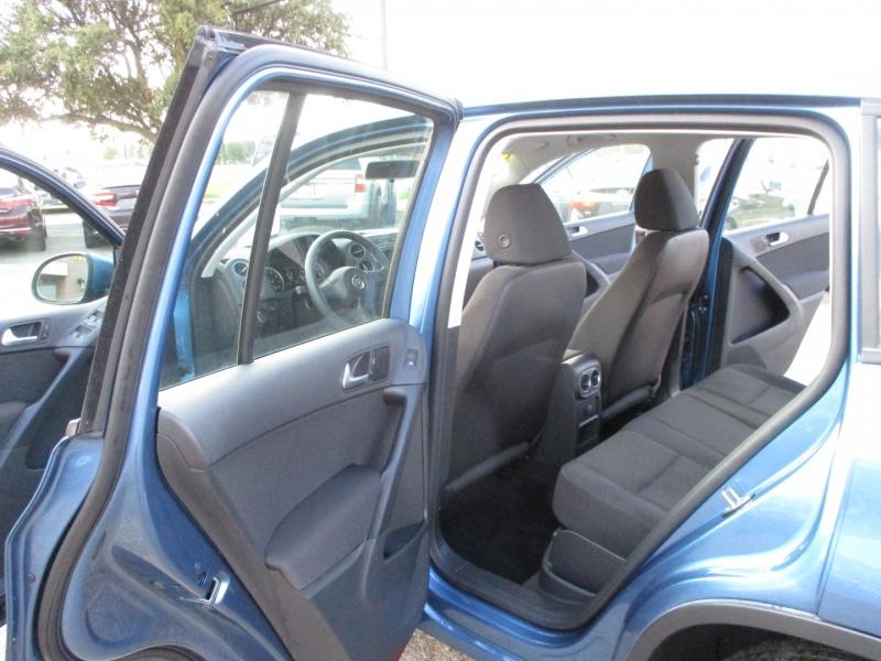 Volkswagen Tiguan 2017 price $14,995