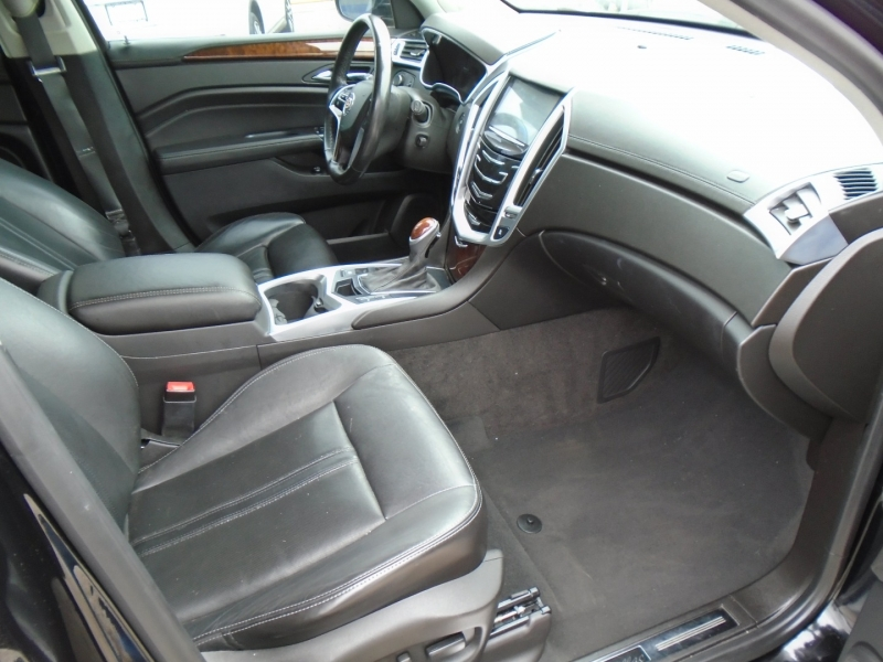 Cadillac SRX 2015 price $17,500