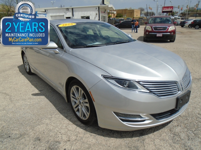 Lincoln MKZ 2016 price $17,995