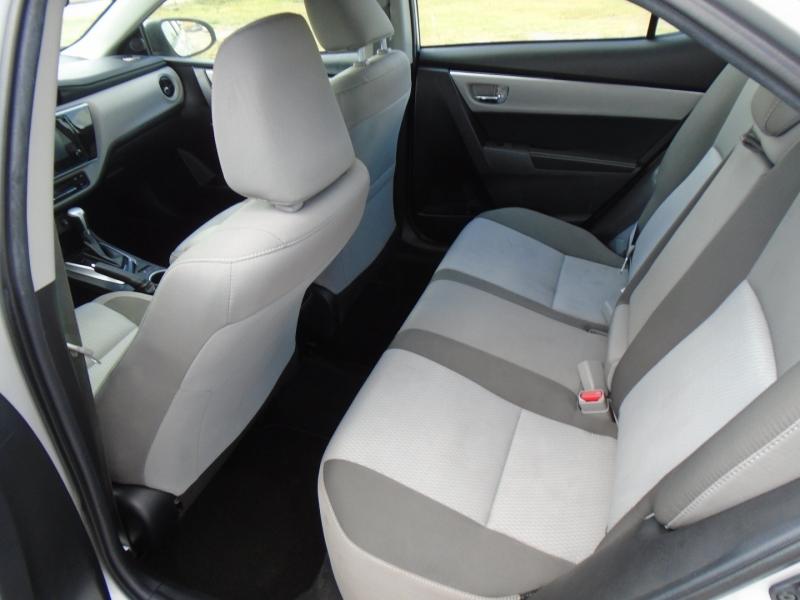 Toyota Corolla 2019 price $15,995