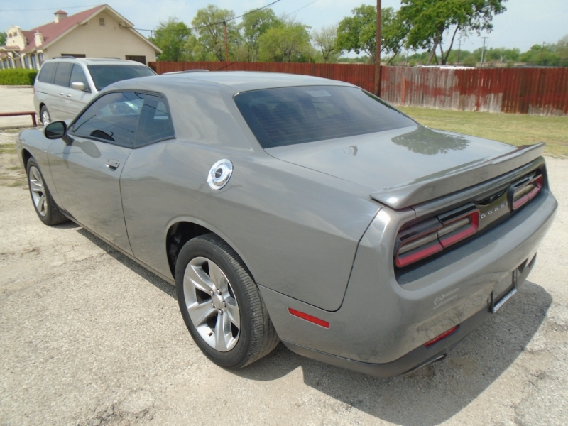 Dodge Challenger 2017 price $19,995