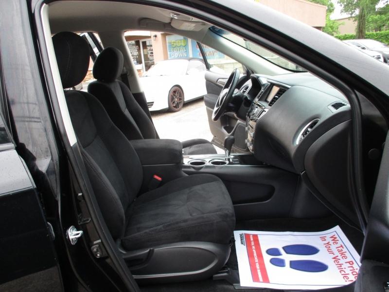 Nissan Pathfinder 2016 price $10,995