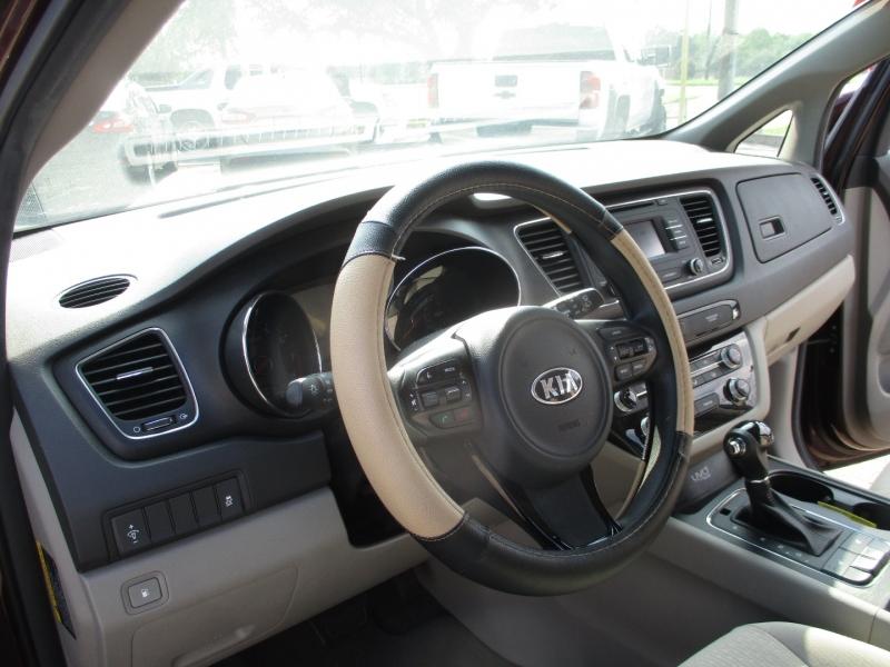 Kia Sedona 2016 price $16,995