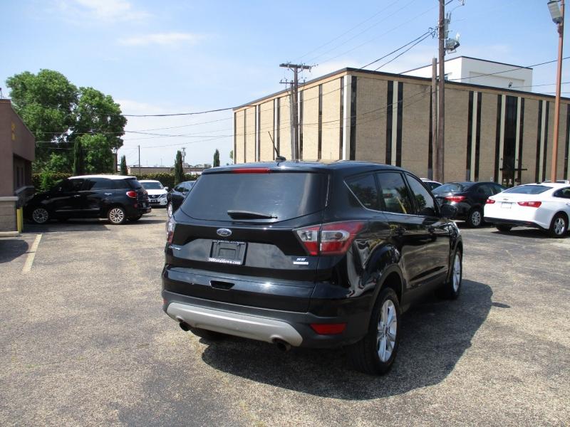 Ford Escape 2017 price $13,995