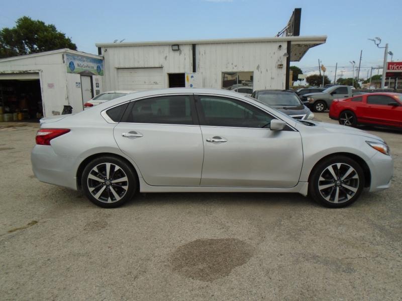 Nissan Altima 2016 price $9,900