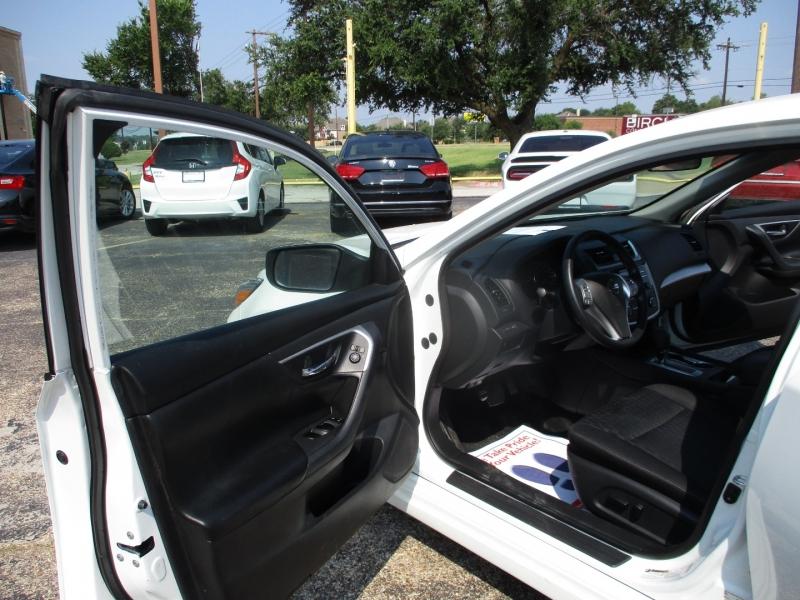 Nissan Altima 2018 price $16,995
