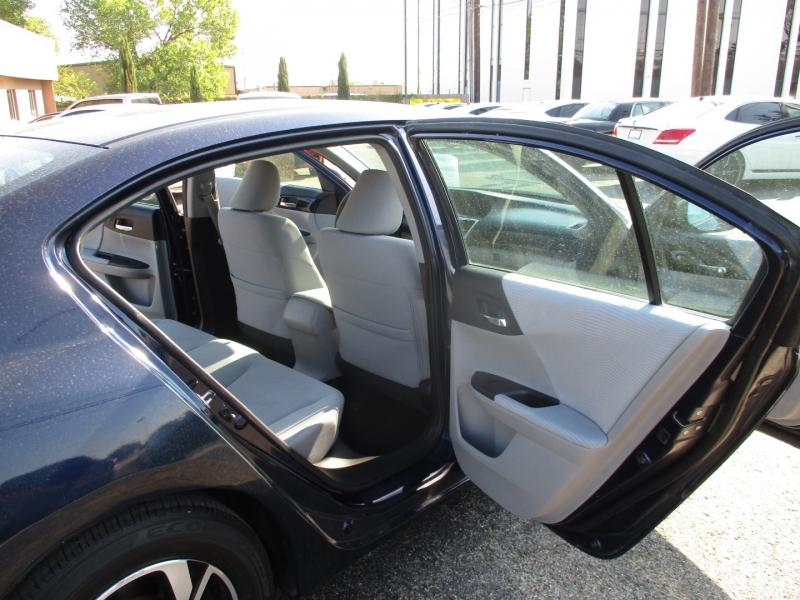 Honda Accord Sedan 2017 price $20,500