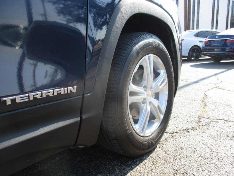 GMC Terrain 2018 price $23,995