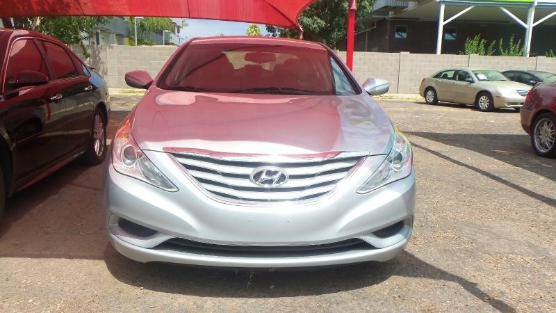Hyundai Sonata 2013 price $9,300