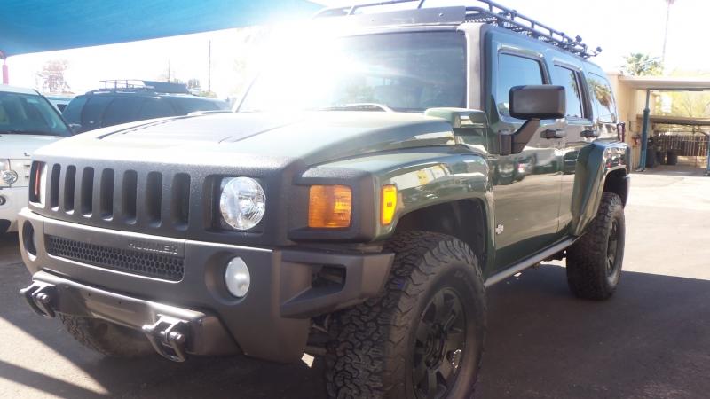 Hummer H3 2006 price $10,900
