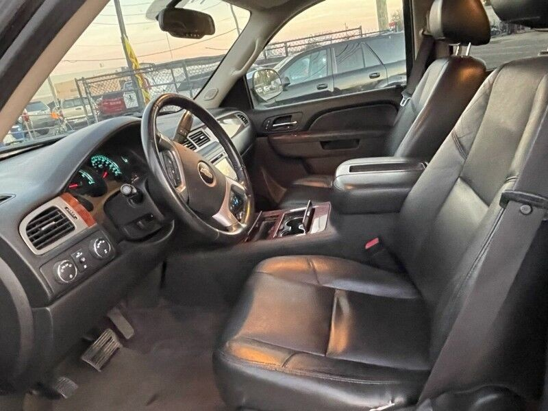 Chevrolet Suburban 2012 price $8,995