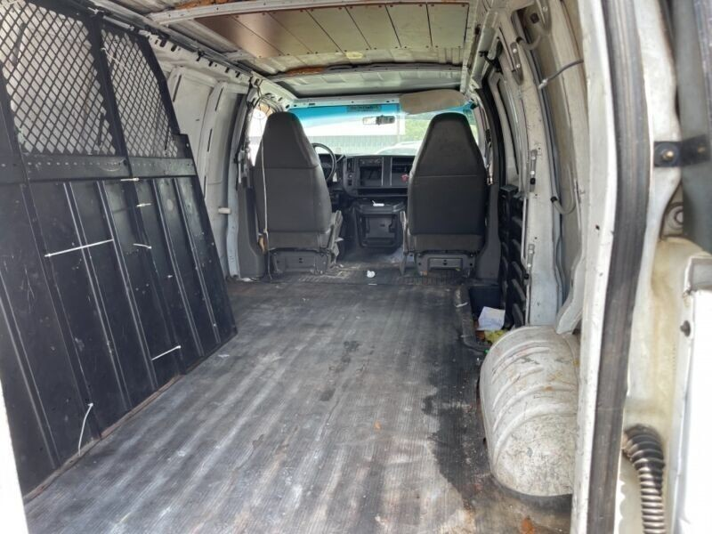 Chevrolet Express Cargo Van 2003 price $3,495