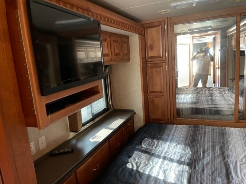 Freightliner Tiffin 2007 price $95,000