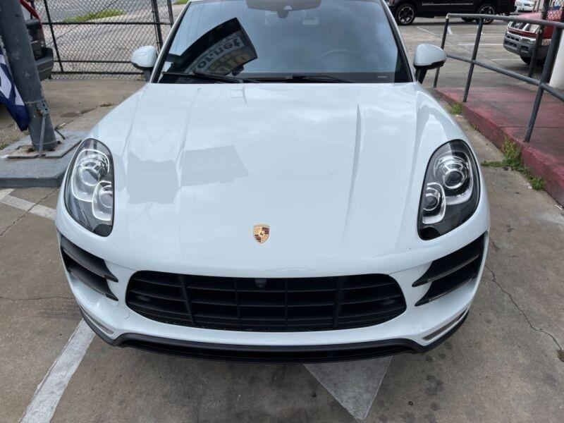 Porsche Macan 2016 price $59,995