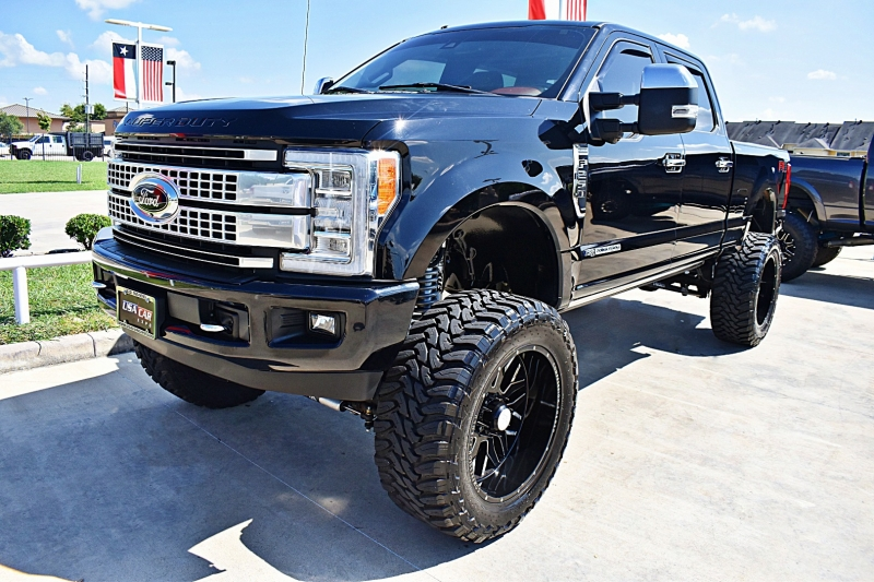 Ford F-250 Platinum 4X4 Lifted 2018 price $76,900