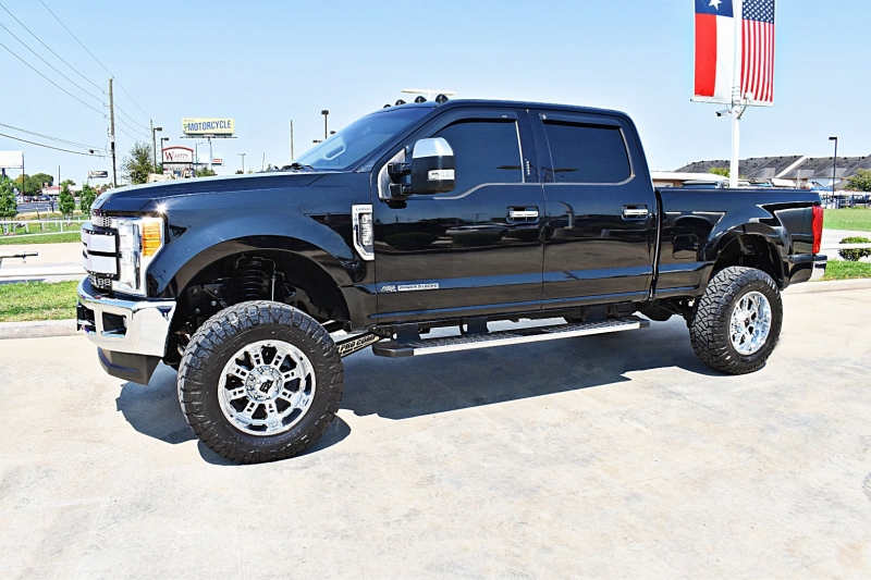 Ford F-250 Lariat 4X4 Lifted 6.7L Diesel 2017 price $59,900