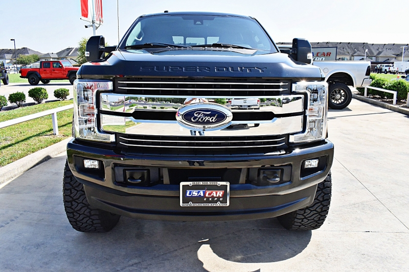 Ford F-250 Lariat 4X4 Lifted 2017 price $62,850
