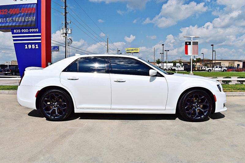 Chrysler 300 Sport 5.7L HEMI V8 2019 price $29,850