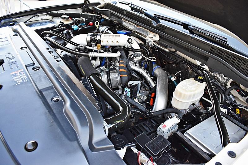 GMC Sierra 2500HD Denali 4X4 Lifted Duramax 2015 price $57,900