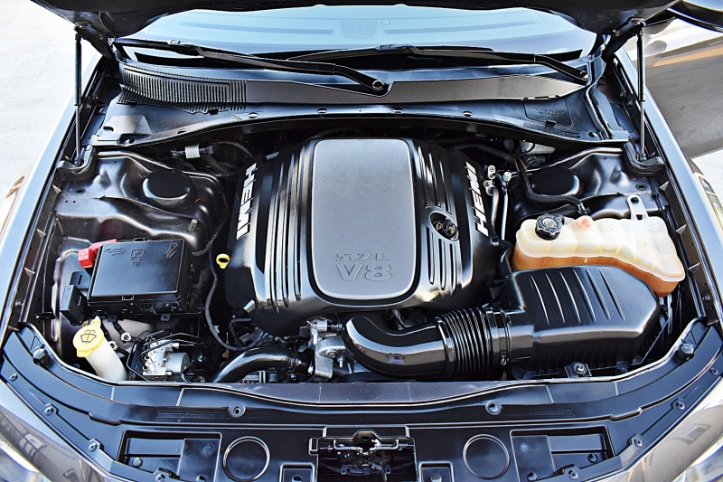 Chrysler 300 S V8 5.7 HEMI 2017 price $26,850