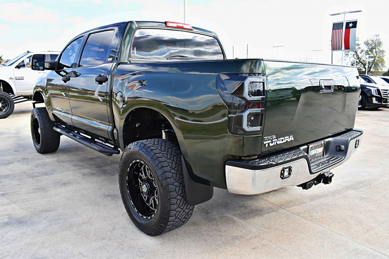 Toyota Tundra CrewMax SR5 V8 Lifted 2011 price $16,850