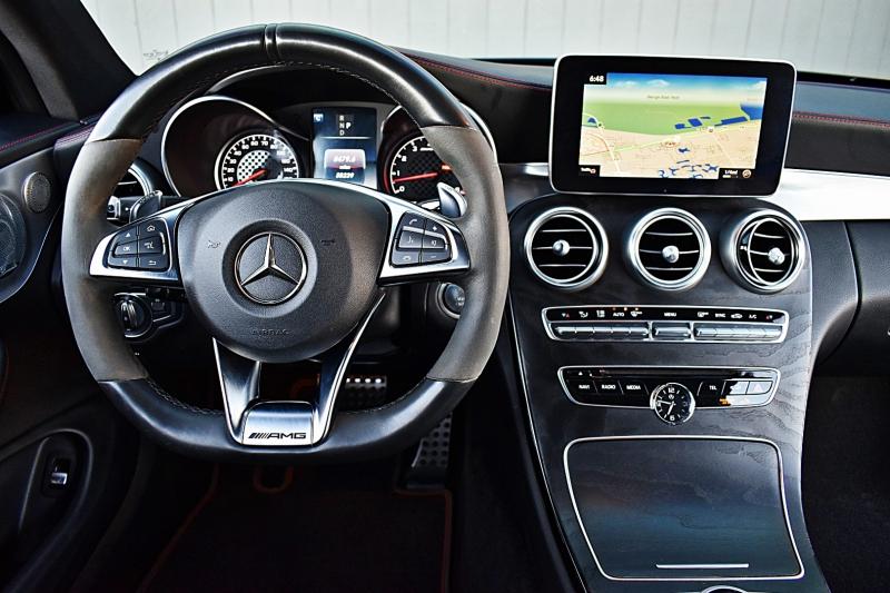 Mercedes-Benz C-Class 2017 price $35,900