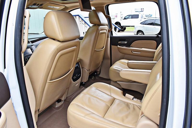 GMC Yukon XL Denali AWD 6.2L 2008 price $10,850