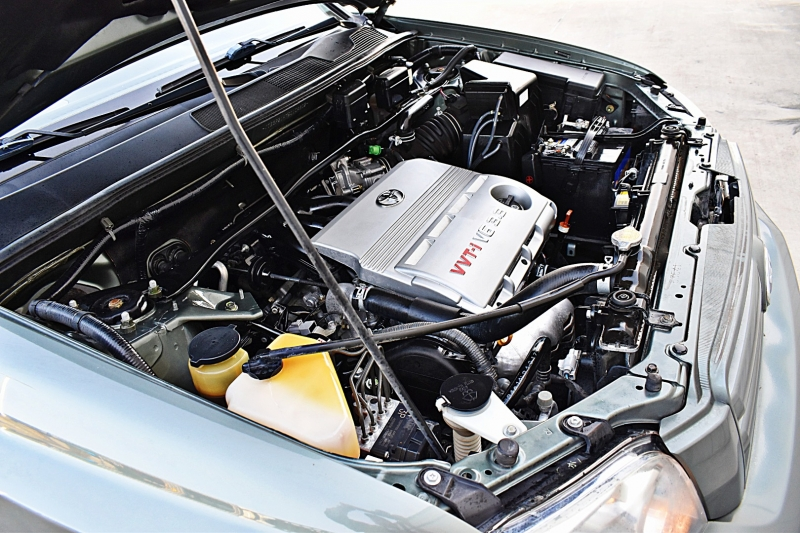 Toyota Highlander 2005 price $9,850