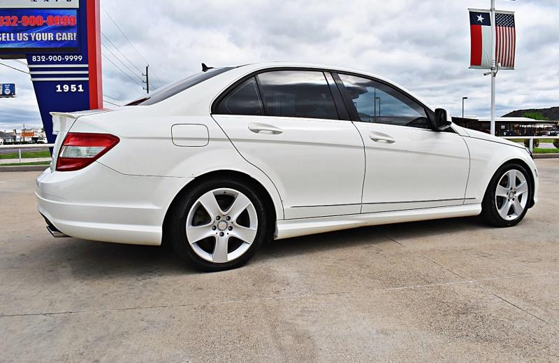 Mercedes-Benz C-Class 2009 price $7,900