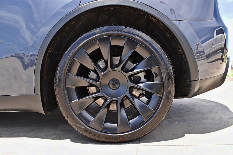 Tesla Model Y Long Range AWD 2021 price $62,900