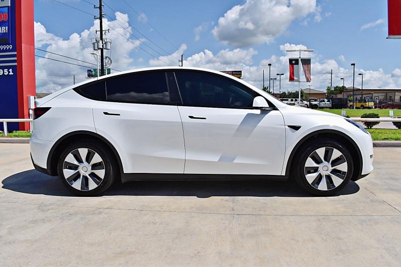 Tesla Model Y 2021 price $62,900