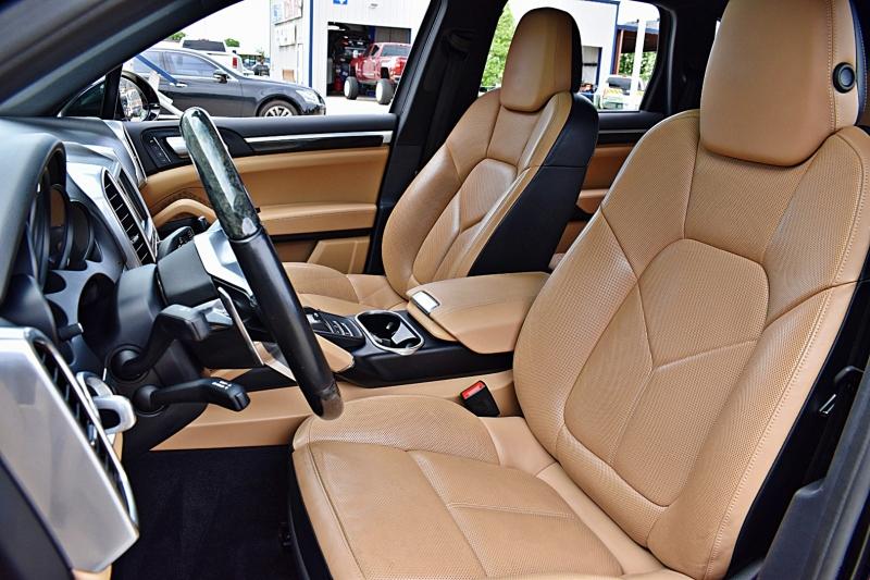 Porsche Cayenne 2016 price $39,900