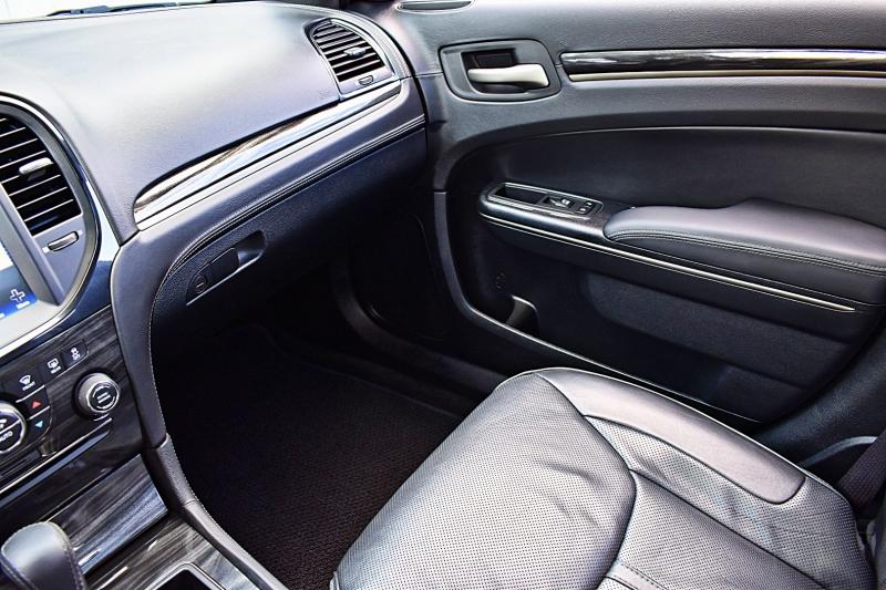 Chrysler 300 2014 price $23,850