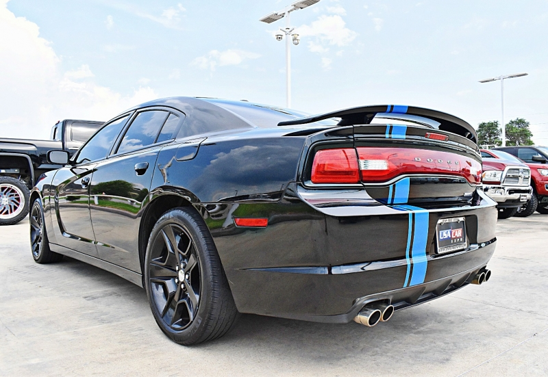 Dodge Charger 2011 price $13,900