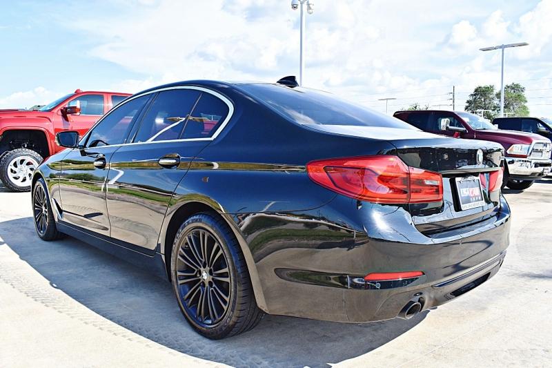 BMW 5-Series 2017 price $28,900