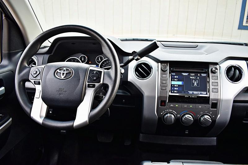 Toyota Tundra SR5 CrewMax 2016 price $29,900