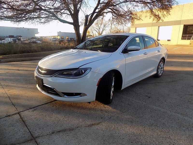 Chrysler 200 2015 price $9,495
