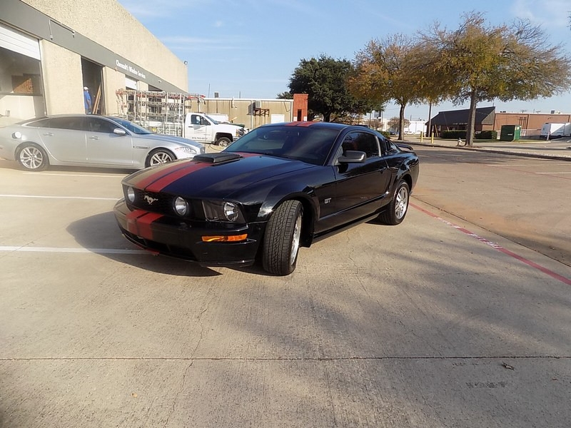 Ford Mustang 2005 price $11,995