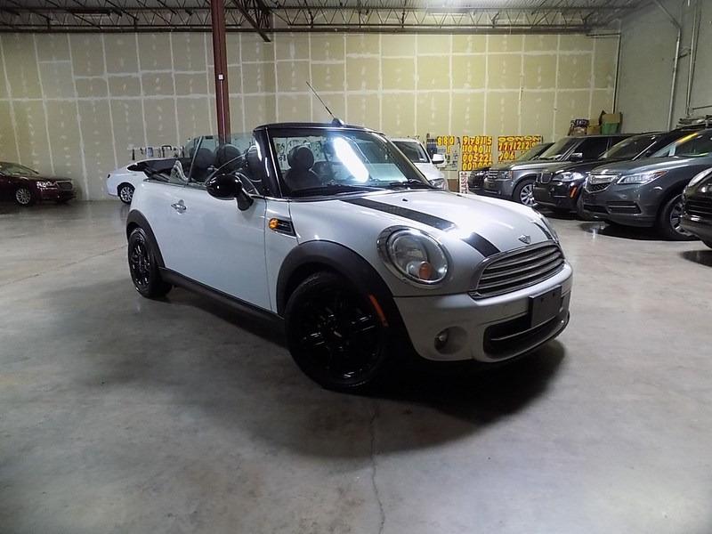 Mini Cooper Convertible 2012 price $9,995