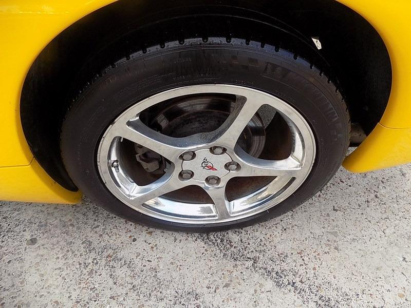 Chevrolet Corvette 2001 price $20,995