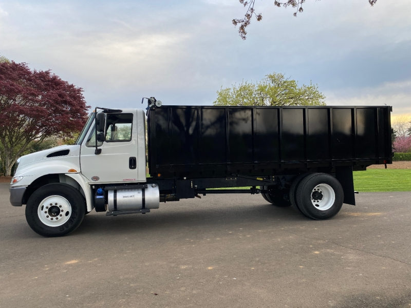 International 4300 Cummins Diesel New 18' ParkHurst Dump Body 2018 price $110,000