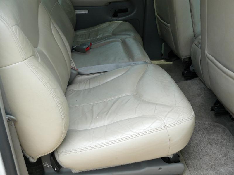 GMC Yukon XL 2001 price $3,750