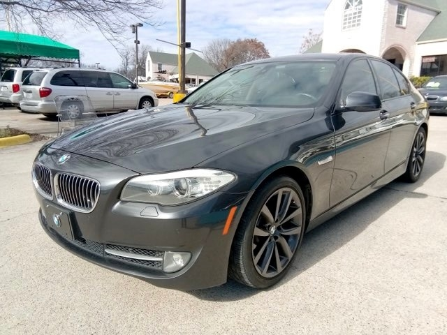 BMW 5-Series 2011 price $8,900