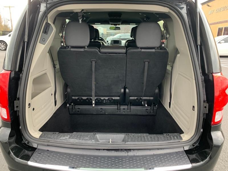 Dodge Grand Caravan 2017 price $14,450