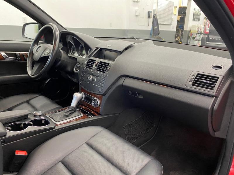 Mercedes-Benz C300 2009 price