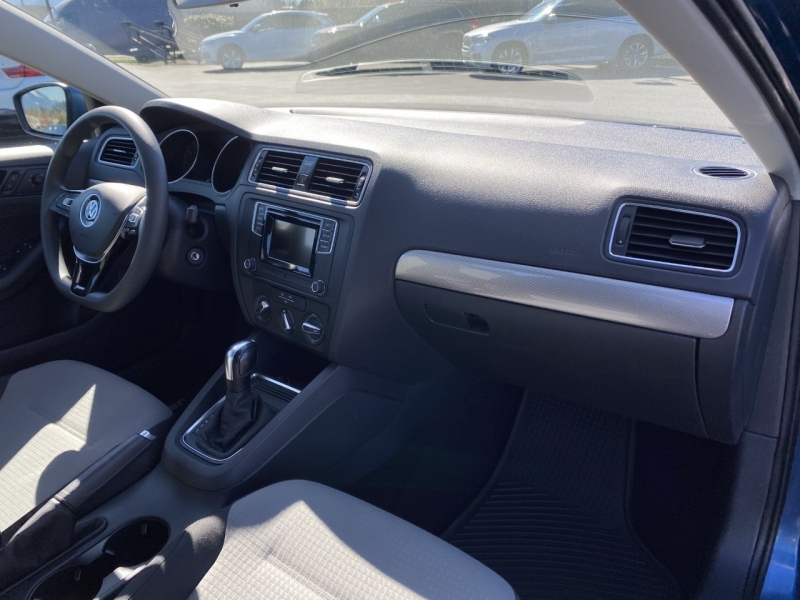 Volkswagen Jetta 2017 price