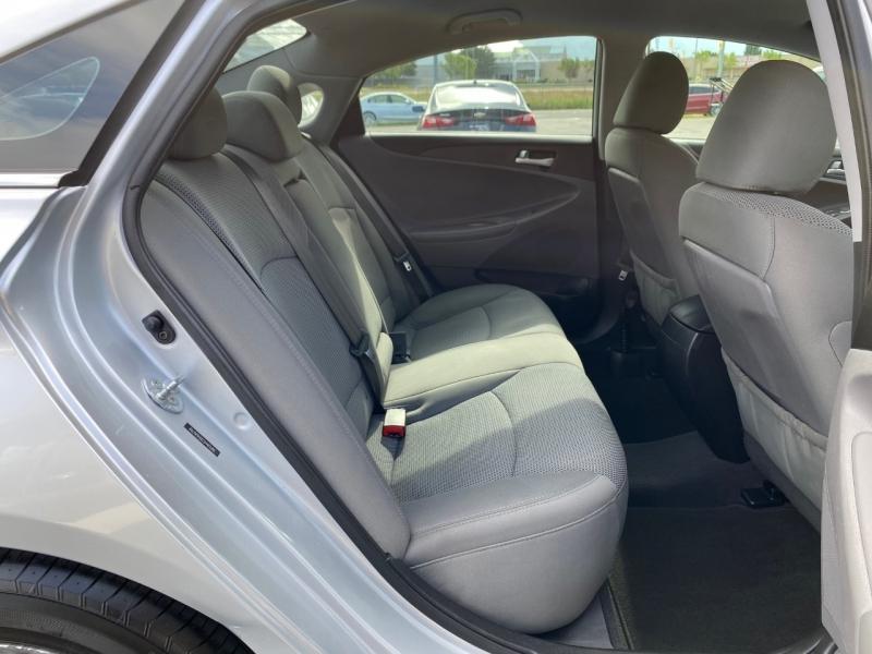 Hyundai Sonata 2013 price $10,950
