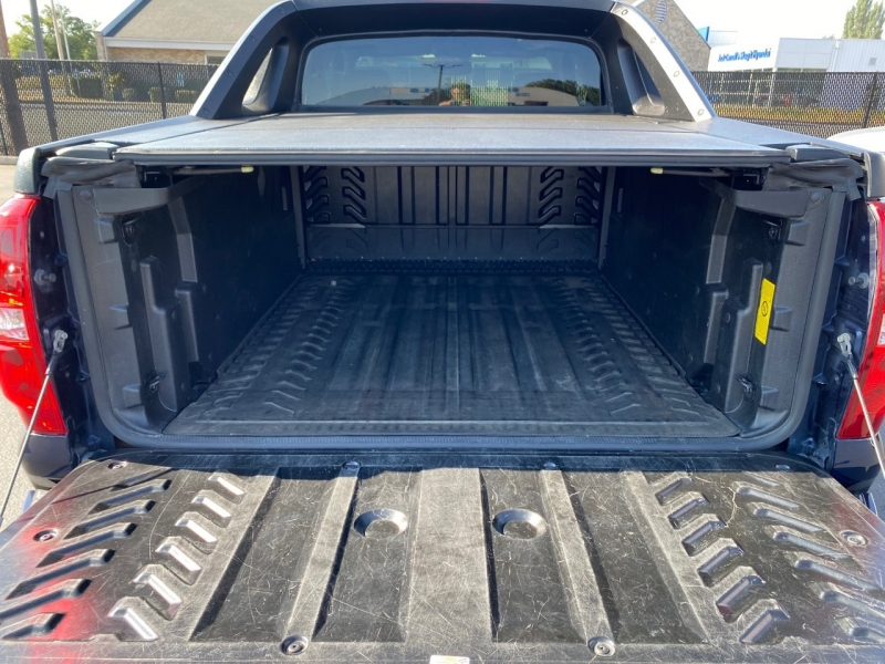 Chevrolet Avalanche 2011 price $21,950